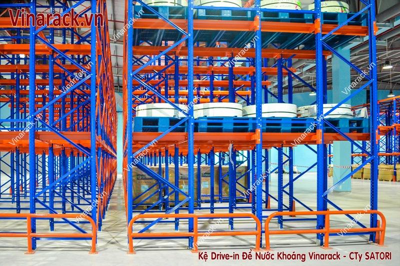Kệ kho drive-in để hàng tải trọng nặng Vinarack